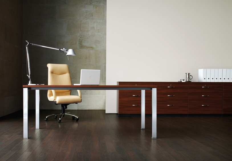 Schreibtisch büromöbel  Höhenverstellbarer Schreibtisch. Büromöbel: Idealo