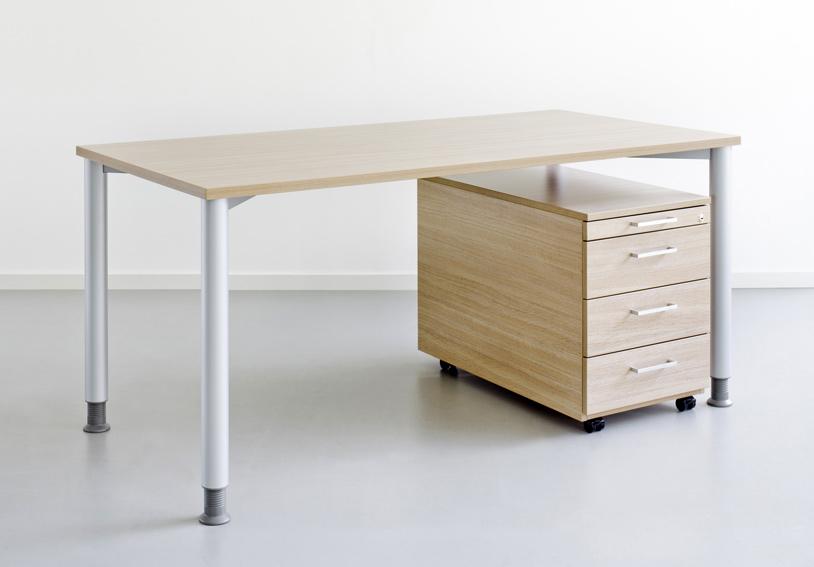 Schreibtisch Schreibtische Burotische Reiss Standard