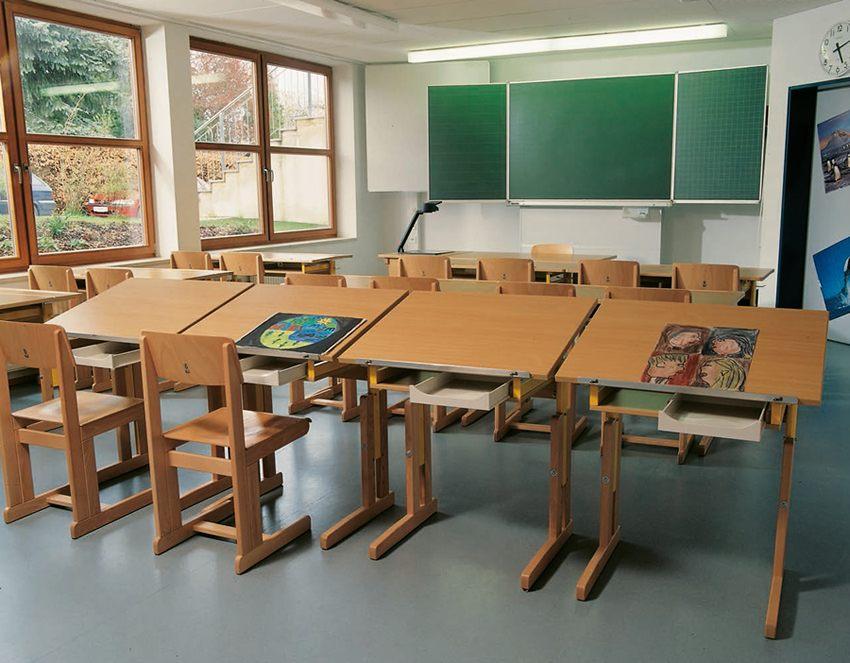 Schulmöbel. Zeichentische, Gruppentische für Schulen