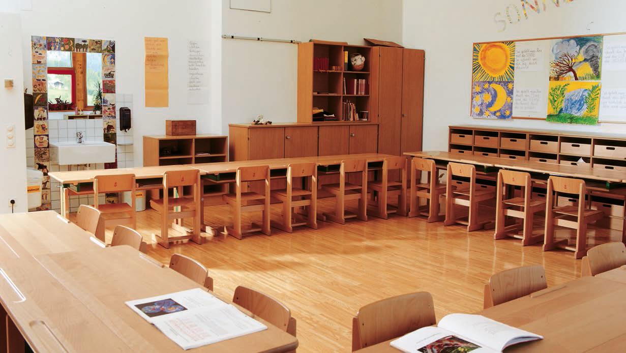5f1bc543b14e29 Schwürzinger Objekteinrichtung GmbH in Bayern liefert die Möbel für Schulen  ( Grundschule und andere ). Klasseneinrichtung  Tische